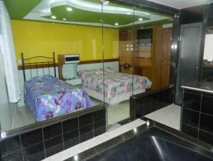 /nb-no/midway-motel-adult-only/hotel/rio-de-janeiro-br.html?asq=jGXBHFvRg5Z51Emf%2fbXG4w%3d%3d