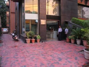 Hotel Twin Tree New Delhi and NCR - Hotel Exterior