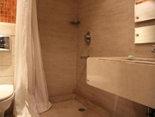 Hotel Twin Tree New Delhi and NCR - Bathroom- Superior Room