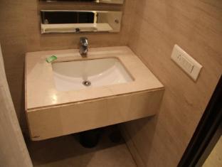 Hotel Twin Tree New Delhi and NCR - Superior room bathroom