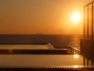 Renuka City Hotel Colombo - Romantic Beach View