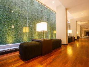 Renuka City Hotel Colombo - Banquet Corridor