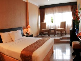 Danau Toba Hotel International Medan - Habitació
