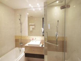 Amora NeoLuxe Suites Bangkok - Guest Room