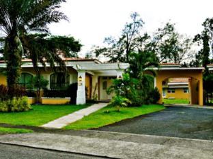 Montevista Villas Angeles / Clark - Superior Villa