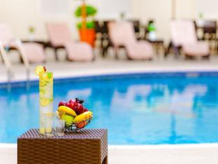 Golden Sands Hotel Apartments Dubai - Pool