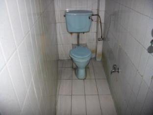 Khangsar Guest House Kathmandu - Bathroom