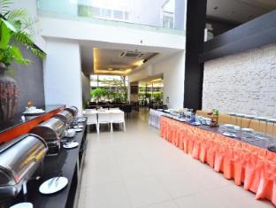 H-Residence Bangkok - International Buffet