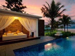 Vinpearl Danang Resort and Villas Da Nang - Pool Lounge
