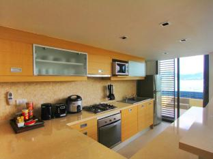 IndoChine Resort & Villas Phuket - Family Suite - Kitchen