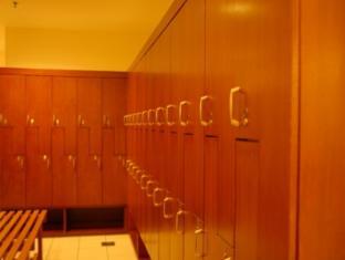 KL Apartment Times Square Kuala Lumpur - Locker Room