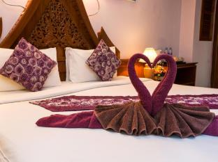 Patong Beach Bed and Breakfast Phuket - Gjesterom