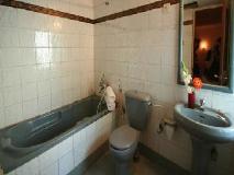 Magnum Resort: bathroom