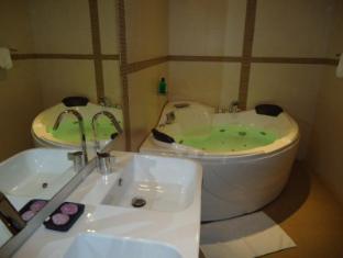 D Villas Colombo - Bathroom in the deluxe room