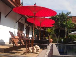Seapines Villa Liberg Phuket - Swimming Pool