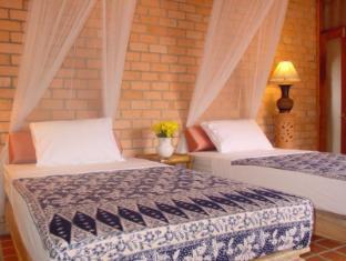 Seapines Villa Liberg Phuket - Guest Room