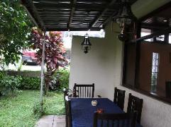 Philippines Hotels | Twin Pines Suites