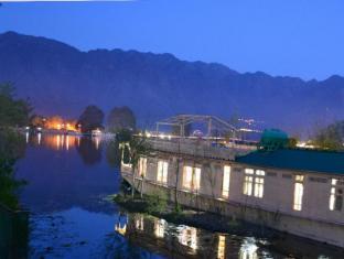 /peacock-houseboats/hotel/srinagar-in.html?asq=jGXBHFvRg5Z51Emf%2fbXG4w%3d%3d