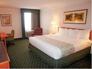 /fi-fi/la-quinta-inn-suites-tacoma-seattle/hotel/seattle-wa-us.html?asq=vrkGgIUsL%2bbahMd1T3QaFc8vtOD6pz9C2Mlrix6aGww%3d