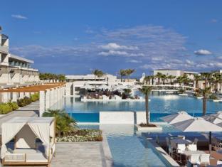 /fr-fr/avra-imperial-beach-resort-and-spa/hotel/crete-island-gr.html?asq=vrkGgIUsL%2bbahMd1T3QaFc8vtOD6pz9C2Mlrix6aGww%3d