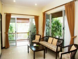 Nongnooch Garden Resort Pattaya - 2 Bedroom deluxe - Living Room