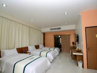 Nongnooch Garden Resort Pattaya - Triple Deluxe
