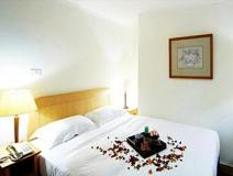 Pacific Hotel - Sunlight: guest room