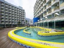 Pacific Hotel - Sunlight: exterior