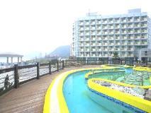 Pacific Hotel - Sunlight: