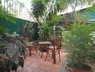 Kha Vi Guesthouse Phnom Penh - Garden