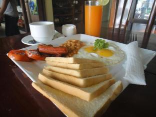 Kha Vi Guesthouse Phnom Penh - Breakfast