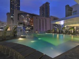 Furama Hotel Bukit Bintang Kuala Lumpur - Swimming Pool