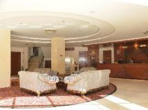 Hotel Riveria: lobby