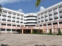 Hotel Riveria: entrance