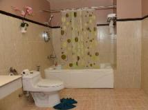 Hotel Riveria: bathroom
