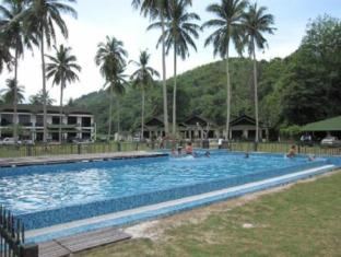 Fishing Bay Resort Mersing - Swimming Pool