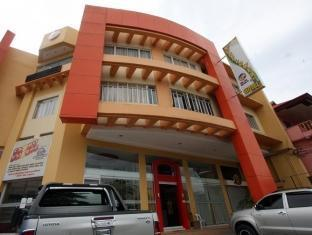 Sunflower Hotel Davao City - בית המלון מבחוץ