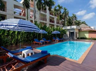 Eazy Resort Phuket - Swimming Pool