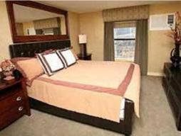 Soba s kraljevsko posteljo