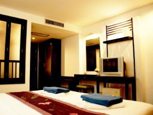 Washington Residence Phuket - Deluxe Room