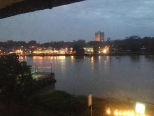 Woodpecker Lodge Kuching - View of the Sarawak River