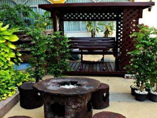 Dee Prom Hotel Chaiyaphum - Garden