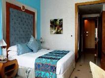 Marina Byblos Hotel: guest room