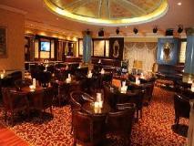 Marina Byblos Hotel: pub/lounge