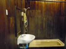 Bellevue Bungalow: bathroom