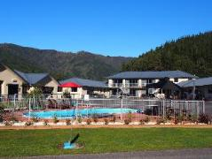 Linkwater Motel Flashpackers & Lodge | New Zealand Hotels Deals