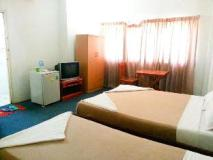 Oulayvanh Hotel: guest room