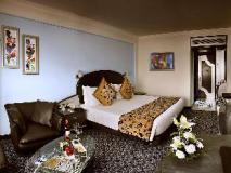 The Suryaa Hotel New Delhi: guest room