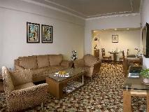 The Suryaa Hotel New Delhi: suite room