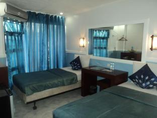 Oyster Plaza Hotel Manila - Deluxe Twin Bed